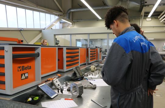 Technicien en Maintenance des Equipements Industriels
